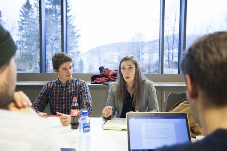 Ingrid Moe Albrigtsen er Parlamentsleder ved HiSF og siter i styret til UH-nett Vest.