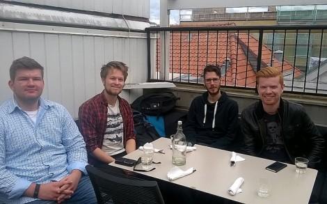God stemning i Stavanger: Fredrik Bødtker (HiB), Eirik Lie Reikerås (UiB), Henrik Brown Halleraker (HiSF) og Magne Bartlett (UiS). Kristine Krokli (HSH) og Karoline Strand (HVO) hadde ikke anledning til å delta på studentrådsmøtet. Foto: Anders Veggeland.